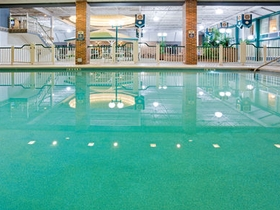 Holiday inn holidome fond du lac for North fond du lac swimming pool