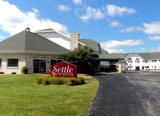 Airport Settle Inn & Suite